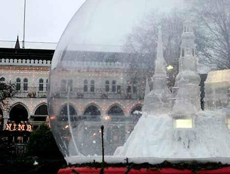 snow_globe_01.jpg